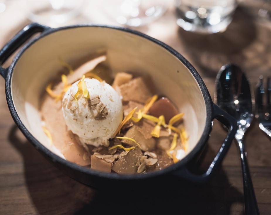 Igluravintolan sesongittaiset menut koostuvat kauden raaka-aineista.