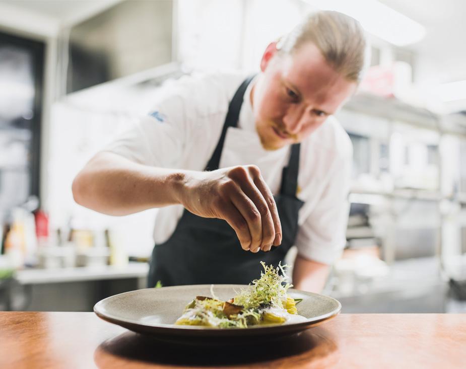 Igluravintolan ruokalistasta vastaavat Levin parhaimmat kokit.